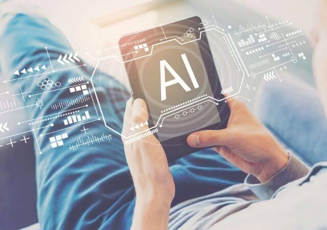 Salesforce agrega inteligencia artificial a plataforma de correo electrónico