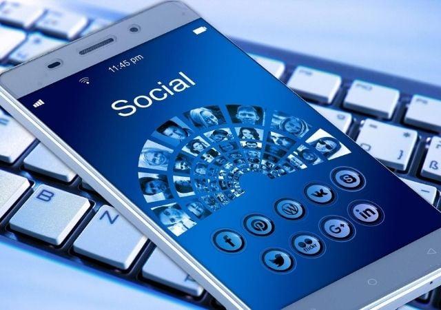 Redes sociales en el sector educativo