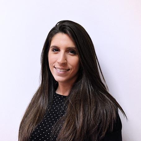 Paola.Content Consultant/Social Media