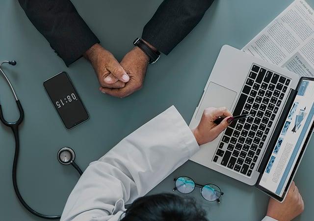 Redes Sociales en el sector salud